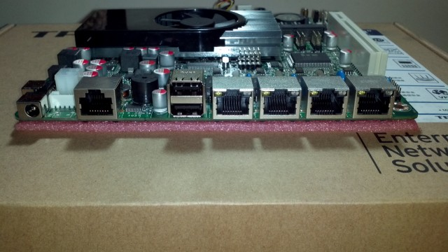 Atom D2550 4口intel 82583v防火墙/软路由主板 图5