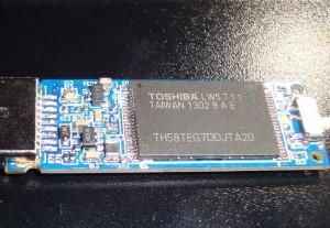 TH58TEG7DDJTA20 +IS903细节图2