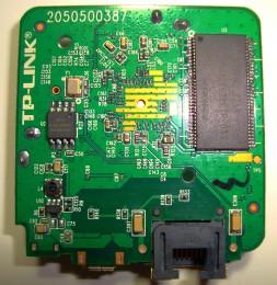 TP-LINK WR802N 802.11N 300M 迷你型无线路由器 拆机图08