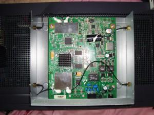 [分享]拆95新 中兴 ZTE W812N V2 802.11n双频无线AP