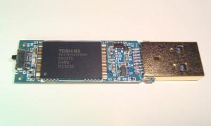 IS903-64G-TH58TEG8DDKBA8C-PIC-4